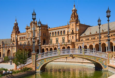 Ryanair extend twice-weekly Seville service for the summer