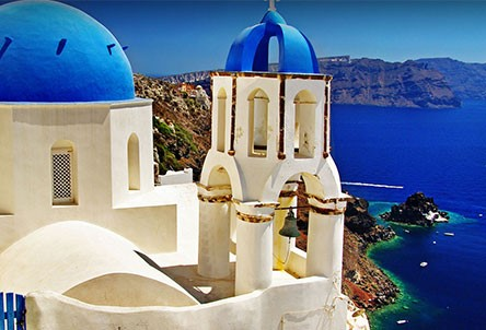 TUI launch new routes to Santorini and Faro for summer 2019